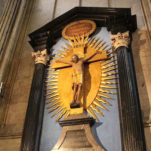Kruisbeeld in de Dom